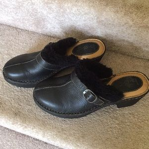 Box leather clogs with fur trim